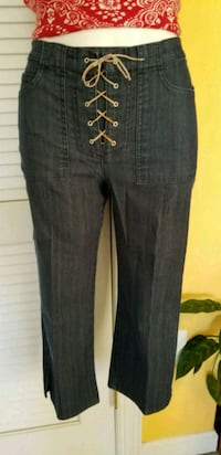 Ladies Capri Jeans Pants  Herndon, 20171