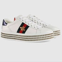 Gucci ladies shoes with crystal size 6 Toronto, M5V 1M3