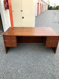 Office desk with 3 drawers and box/file, Great Condition! Toronto