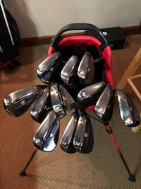 black golf club set with golf bag Rockville