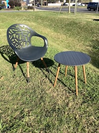Previously Owned Table And Chair Patio Set
