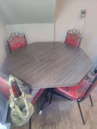 Kitchen Table and Chairs Bolivar, 25425