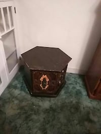 hexagon brown wooden end table San Jose, 95126