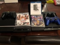 black Sony PS3 super slim console with controllers and game Toronto, M5B 2A9