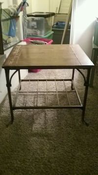 Wood and Brass end table Killeen, 76541