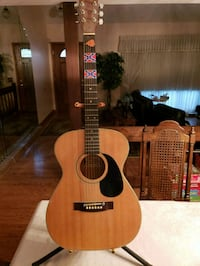 brown and black acoustic guitar Streamwood, 60107
