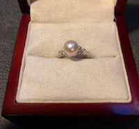 Cultured pearl, white gold, diamond tri-side ring— excellent condition  Houston, 77030