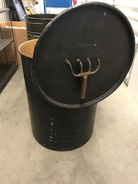 Barrel with pitch fork handle and lid Shelby Township, 48316