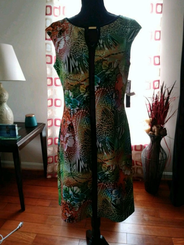 New Beautiful Dress Size Med 10