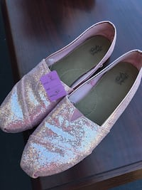 pink with glittered flats Groveport, 43125