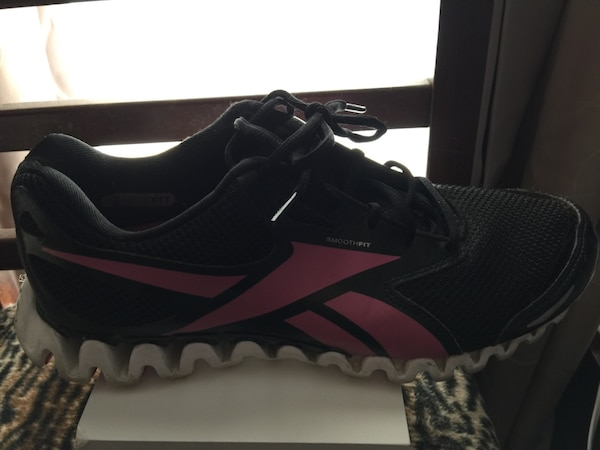 Used Reebok zignanos women s size 9 1 2. Gently used. Pick up at ... dac2139a4