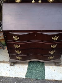 Beautiful Antique drop top desk . Montgomery Village, 20886