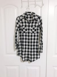 Long Plaid Cardigan - Small Surrey, V3W 5J9