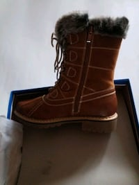Size 7 Brand new in box Ladies boots  color TAN #20 Laval, H7P 5V3
