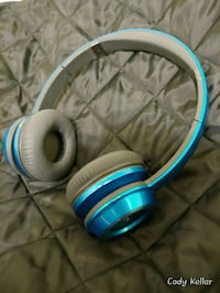 Headphones no cord untested 547 km