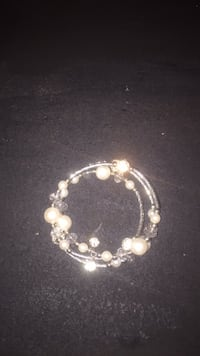 white and silver beaded bracelet Woodbridge, 22192