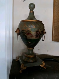 Centerpiece decorative urn Agoura Hills, 91301