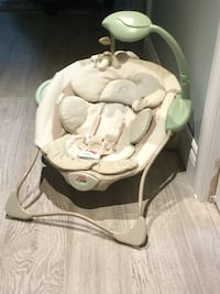 Fisher price baby chair  Toronto, M9A 4L9