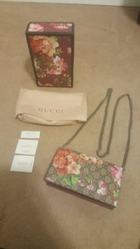 Gucci crossbody bag, can be used as clutch Oakville