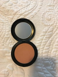 Mac pearl sunshine powder  New York, 10028