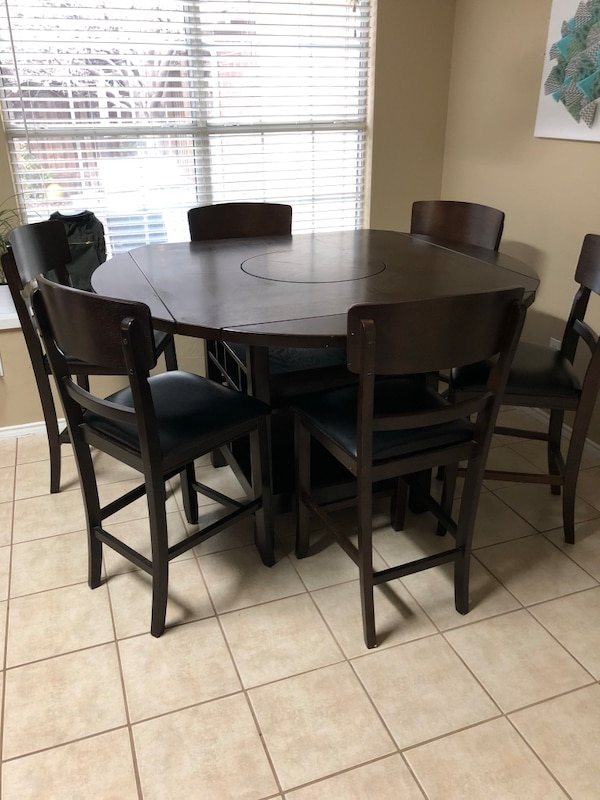 Counter Height Dining Table With Lazy Susan And 5 Chairs Usado En