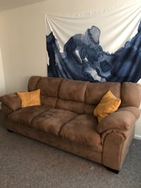 Brown suede 3-seat sofa - great condition! Columbus, 43212