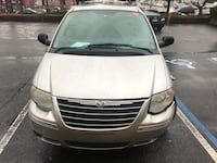 Chrysler - Town and Country - 2005 Smyrna, 30080