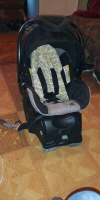 baby's black and gray car seat carrier Weslaco