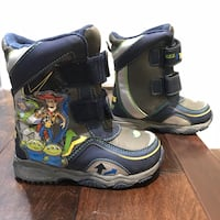 Toddler boy's toy story snow boots size 9