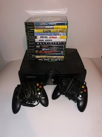Xbox original with 13 games 2 controllers  Saint-Lambert, J4P 3P2