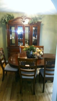 Nice dining table set with china cabinet Acworth, 30102