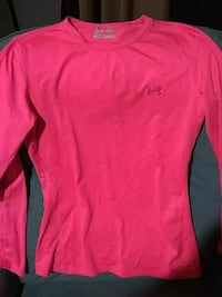 Under Armour Size large Fitted long sleeve Nashville