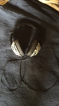 Skull candy headset. Adjustable base. Good to perfect condition Winnipeg, R3R 1K2