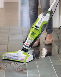 Wet dry vacuum by bissell Coquitlam, V3E 3B7