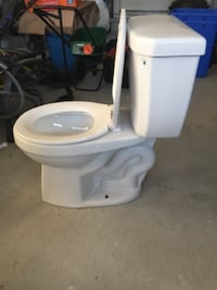 Three Toilets, Nearly New. $40 Each, Two for $75, Three for $110 Hamilton