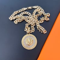 Cuban Necklace Chain Gold Medallion