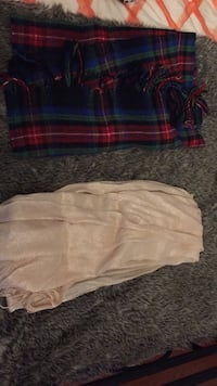 Hollister Plaid Scarf & Forever 21 Metalic Baby Pink Scarf Essa, L0M