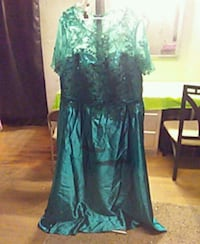Size 24 W emerald green evening dress Cookeville, 38501