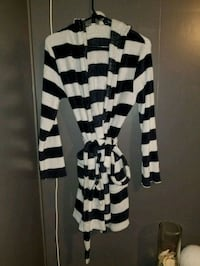 black and white striped long sleeve housecoat  Surrey, V3S 9R6