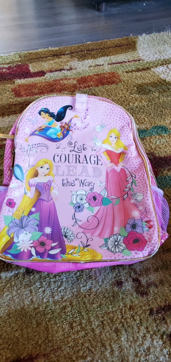 Kids small Lot Jackets, backpack and pair of shoes 00ca4bc5-4772-46cd-ab58-03a801fa96ab