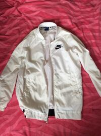 White nike windbreaker Winnipeg, R2W 3K8