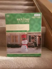 Outdoor CHRISTMAS snowman inflatable and light