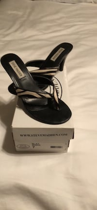 pair of black leather open toe heeled sandals Biloxi, 39532