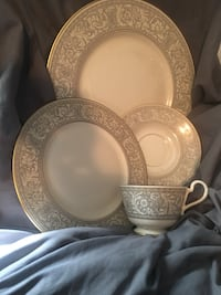 round gold-colored floral ceramic plate and bowl set Violet, 70092