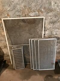 Metal Screens great condition  Guelph, N1E
