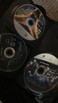 several Xbox 360 game disc