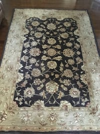 Pure Wool area rug/ 5 ft 4 in x 8 ft/ immaculate Ottawa, K2G 6V6