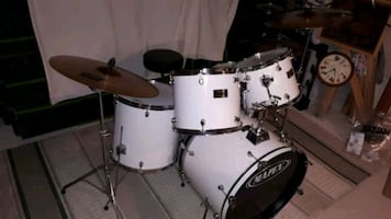white Mapex drum set