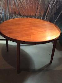round teak table Poolesville, 20837