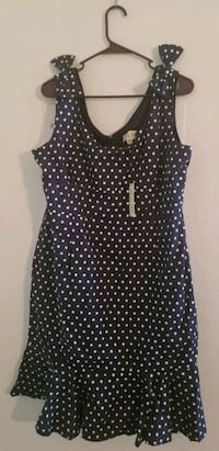 Size 16. Never worn. Navy w/white polka dots. Dover, 19901